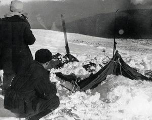 犠牲者のテント