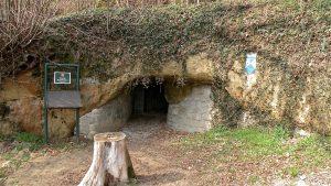 オーストリアのエルドシュテーレの入り口(wikipediaより)